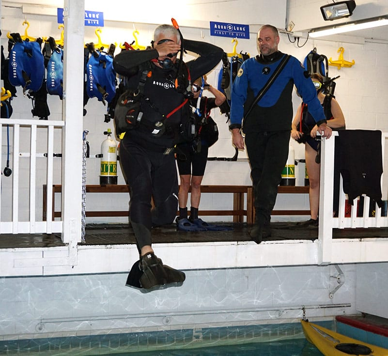 Get familiar with dry suit diving